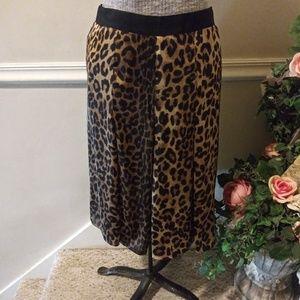 EUC Jones New York Leopard Midi Skirt